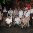 ハロン湾の鍾乳洞で記念撮影