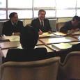 予算案の説明を受ける議員団